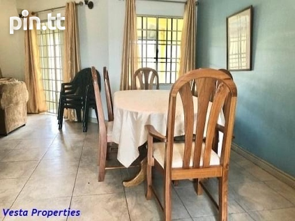 Fully Furnished And Equipped 3 Bedroom Townhouse-4