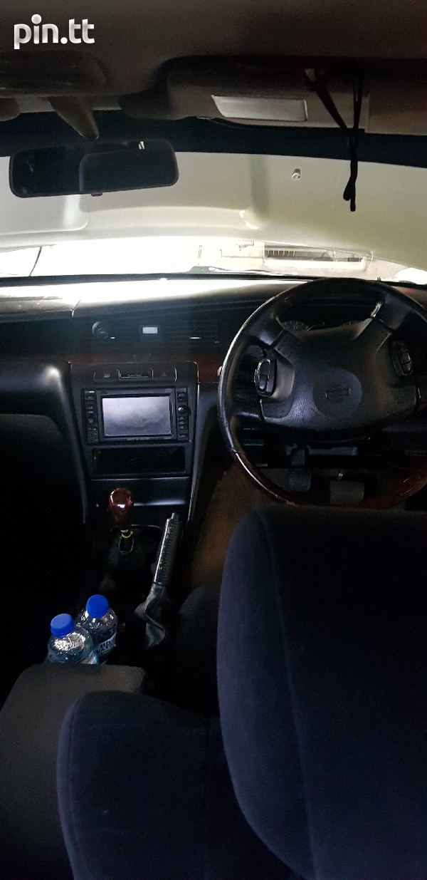 Nissan Laurel, 2000, PBU-5