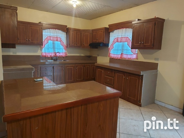 3 Bedroom Apt Next to Cheif Brand, Charliville-14
