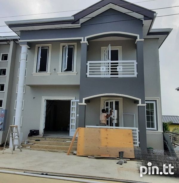 Parkview 3 Bedrooms Homes Gated Community-1