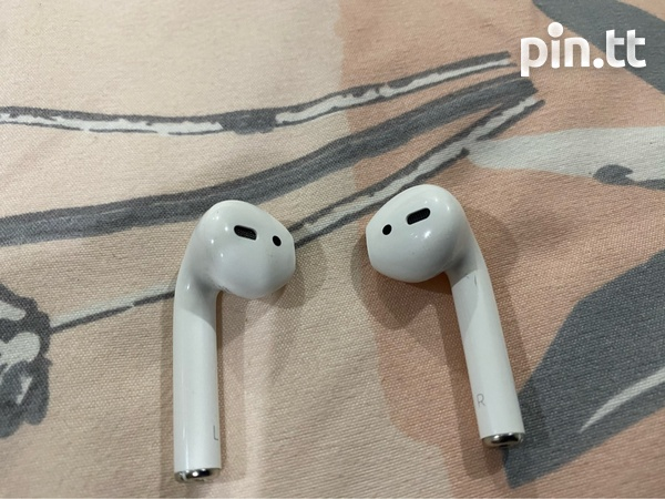 Apple AirPods 2nd Generation-2