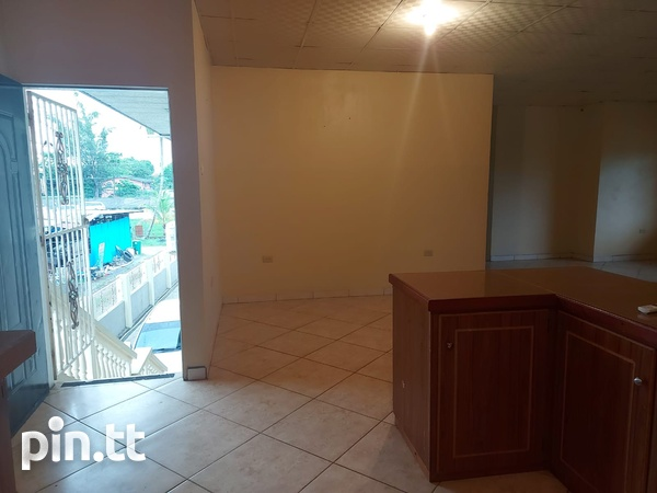 3 Bedroom Apt Next to Cheif Brand, Charliville-2