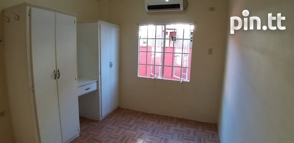 Unfurnished 1 Bedroom Apartment-3