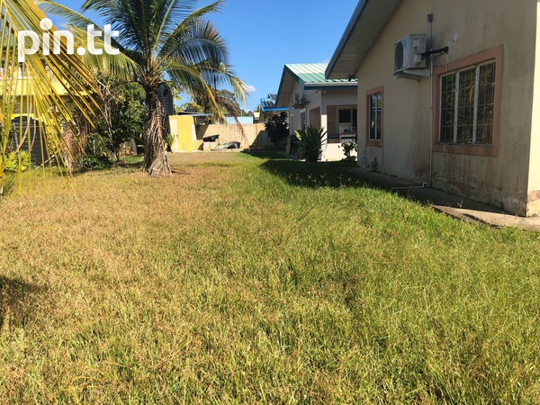 Gated Arima Home with 3 bedrooms-2