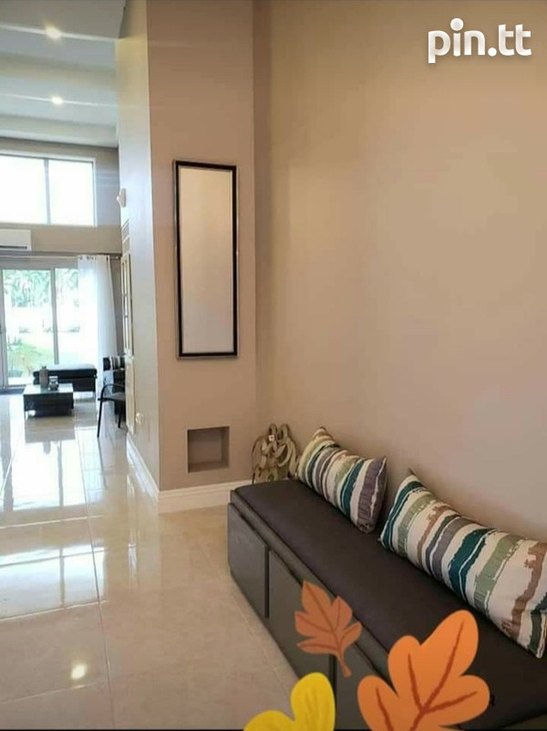 One Woodbrook Place. 2 Master Bedroom. Executive Apartment.-3