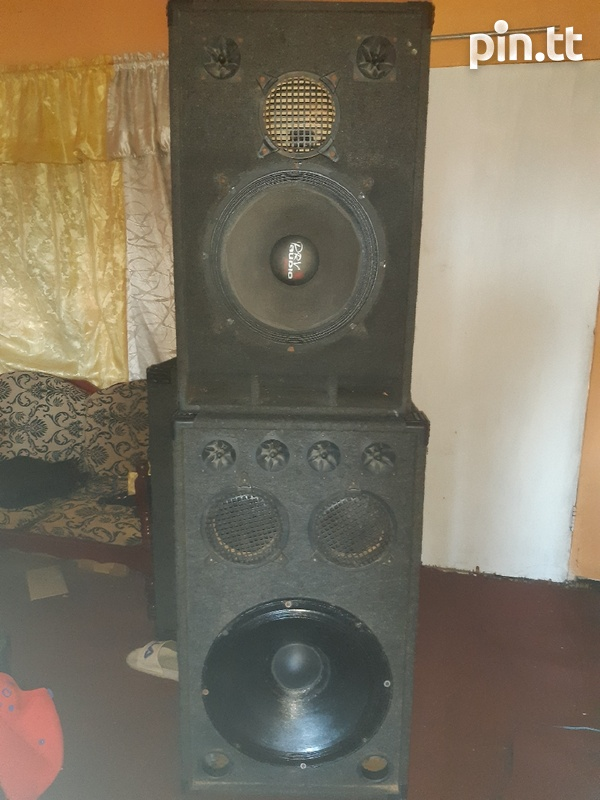 18 and 15inch Speakers in box-1
