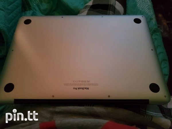 Macbook pro Need it gone today plz make me an offer i cant refuse-3