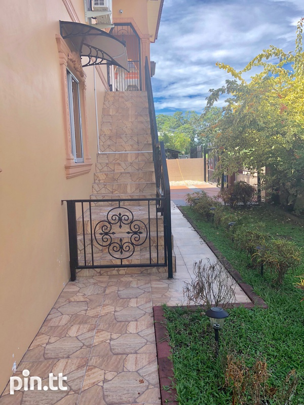 Holiday / Business Executive Rental with 8 bedrooms-2