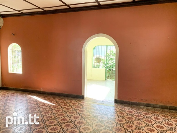 4 BEDROOM CHAMPS ELYSEE, EARLY MARAVAL HOUSE-4