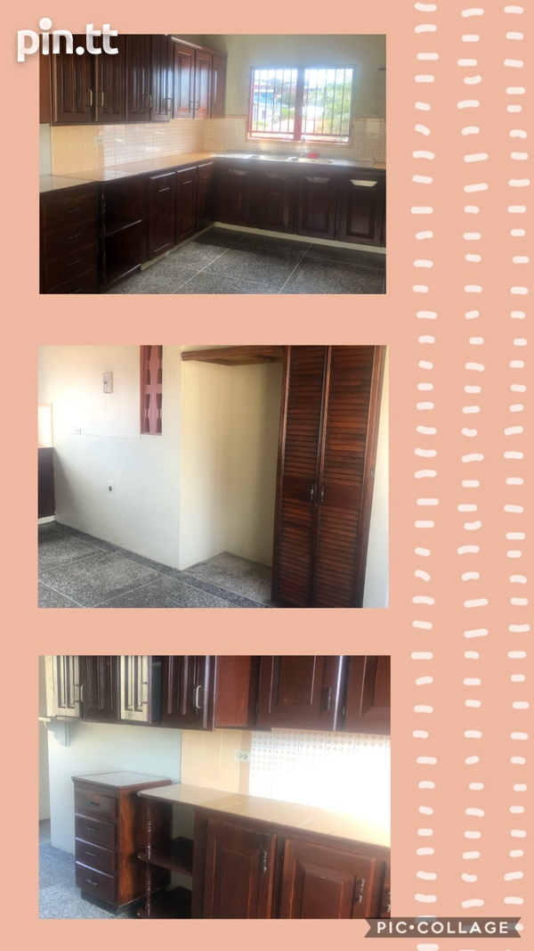 Upstairs 3 Bedroom Apartment-5