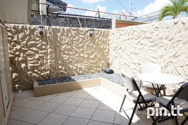 Highpoint Townhouse with 2 Bedrooms, Westmoorings-8