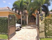 Executive Home with 5 bedrooms - Valsayn S