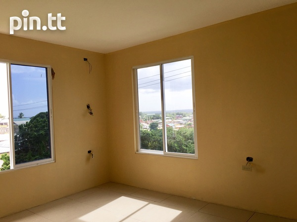 Brand New Spacious 3 Bedroom Townhouse-7