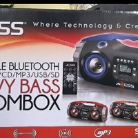AXESS Heavy bass boombox...new