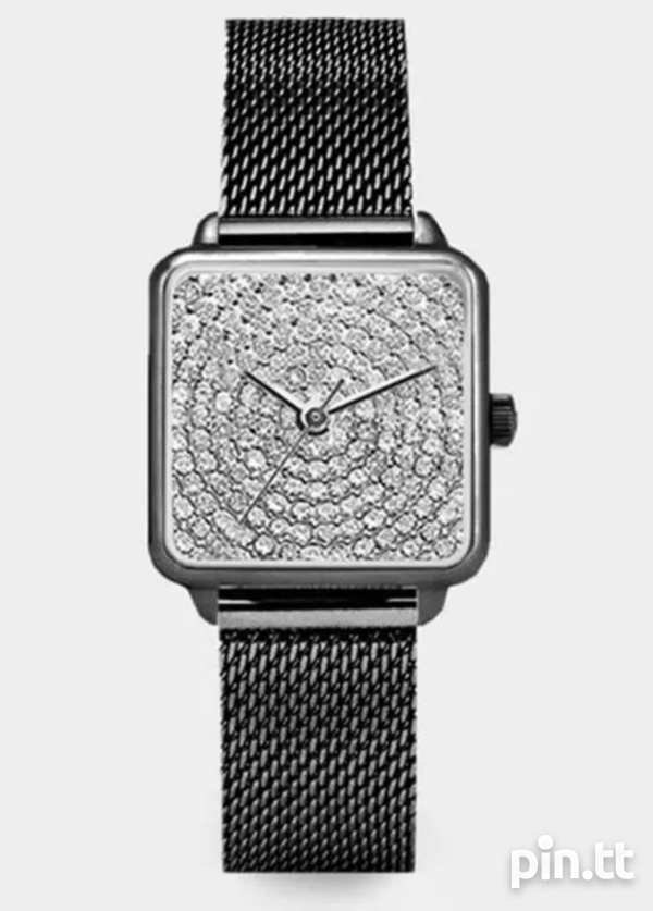 Square face magnetic strap watch-3