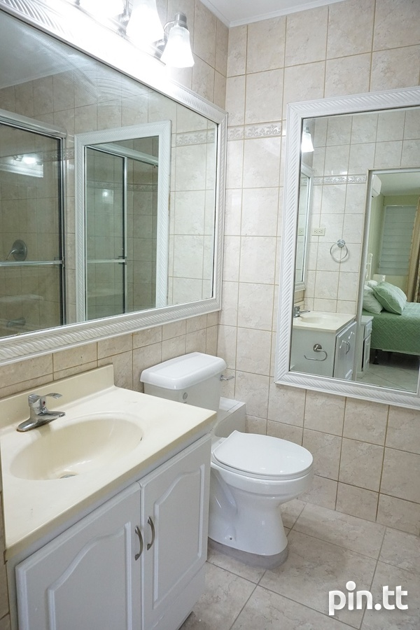 Highpoint Townhouse with 2 Bedrooms, Westmoorings-13
