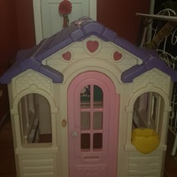 USED PLAY HOUSE