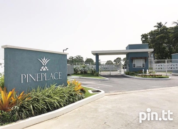 Pinewood Place Condominium with 3 Bedrooms-1