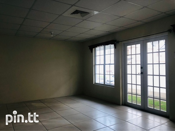 Brentwood townhouse with 3 bedrooms-7