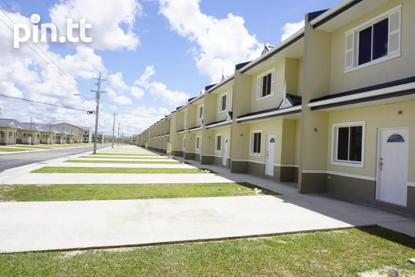 Bamboo Creek Gated Development 3 Bedroom, 2.5 Bath Units Available-8
