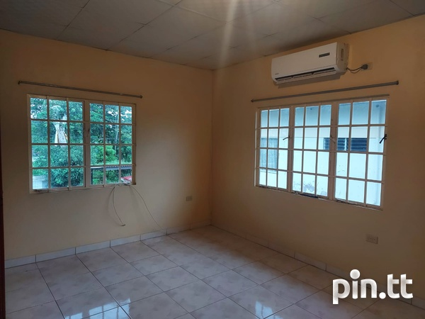 3 Bedroom Apt Next to Cheif Brand, Charliville-6