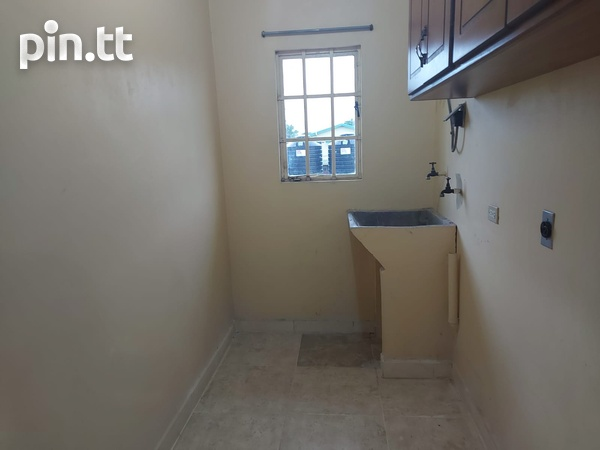 3 Bedroom Apt Next to Cheif Brand, Charliville-5