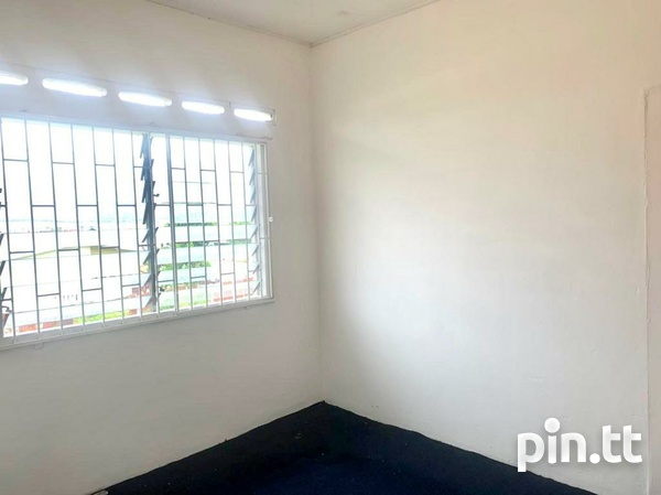 UNFURNISHED TWO BEDROOM APARTMENT BARATARIA-7