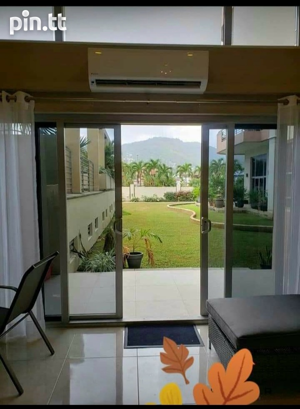 One Woodbrook Place. 2 Master Bedroom. Executive Apartment.-5
