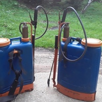 Two used 5 gallon Jacto spray cans, recently serviced