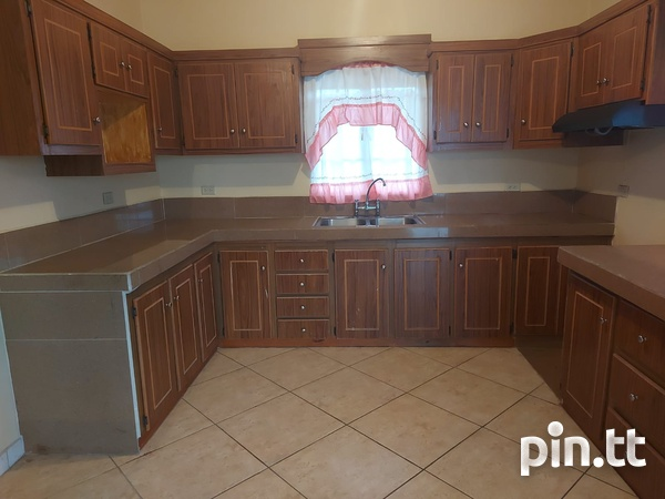 3 Bedroom Apt Next to Cheif Brand, Charliville-3