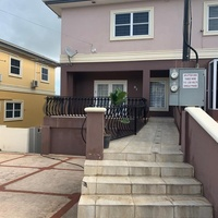 3 Bedroom Residential Townhouse-Great Location
