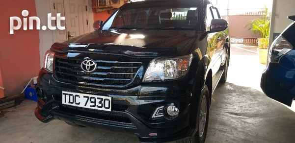 Toyota Hilux, 2013, PDC-2