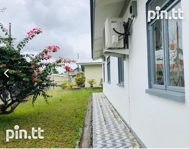 St. Clair, Trincity house with 3 bedrooms-2