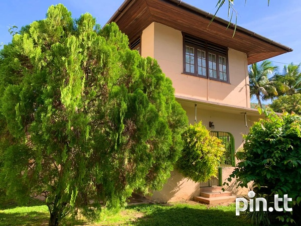 4 BEDROOM CHAMPS ELYSEE, EARLY MARAVAL HOUSE-5