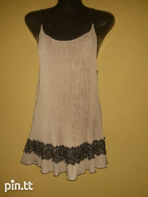 Used women's dresses and tops-6