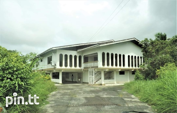 4 BEDROOM HOUSE ON 2 AND A HALF ACRES LAND ALL APPROVALS POINT FORTIN-1
