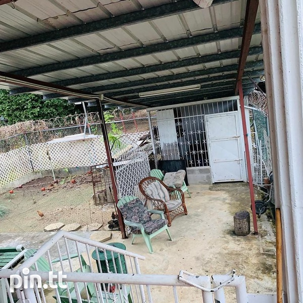 House with 5 Bedrooms Pine Ridge Heights-6