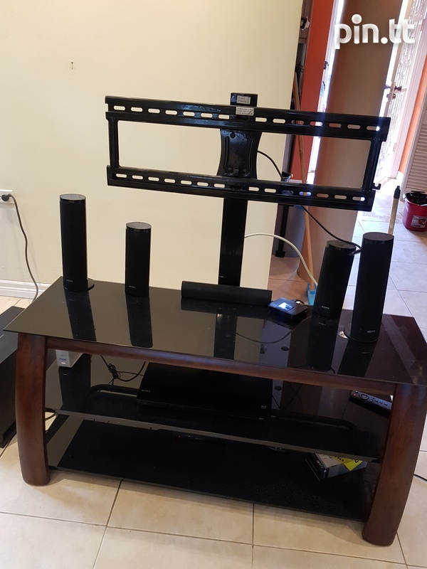 TV stand with shelving and bracket-1
