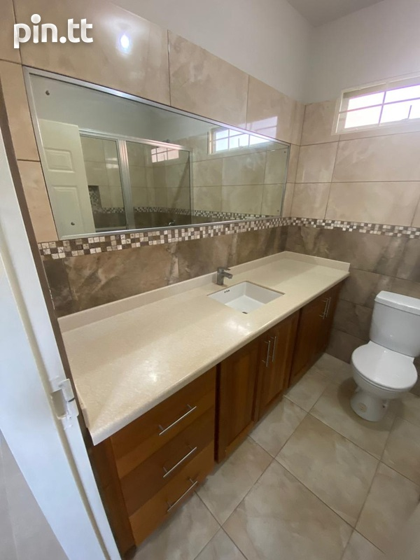 Savannah Court Freeport- 3 Bedroom House in a Gated Community-8