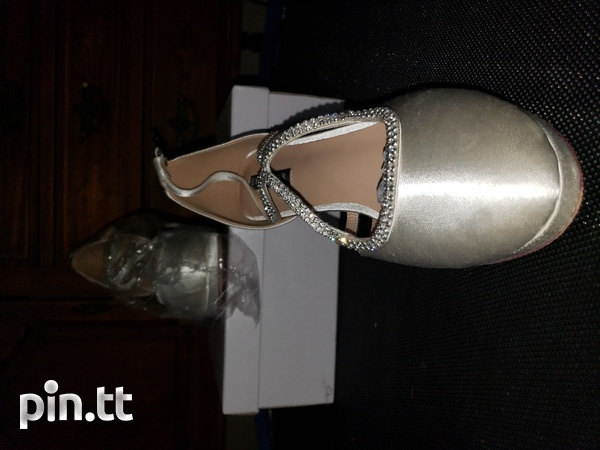 Womens wedding shoes size 10-3