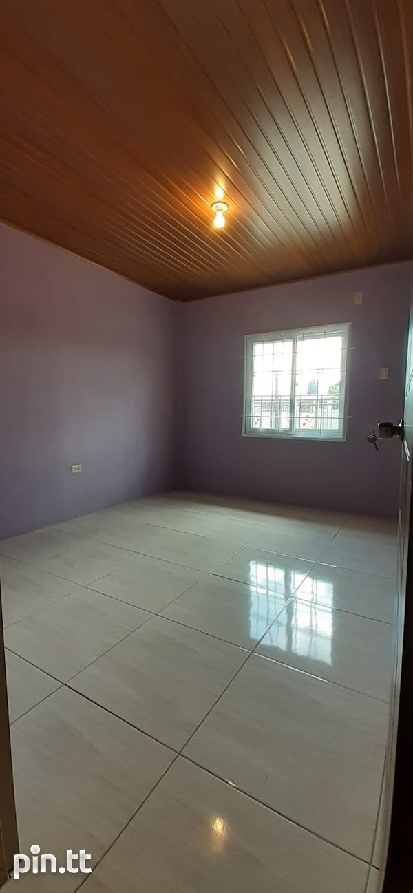 TRINCITY 2 BEDROOM APARTMENT-4