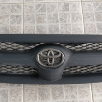 Toyota Hilux Grille