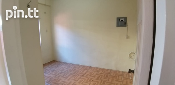 Unfurnished 1 Bedroom Apartment-2