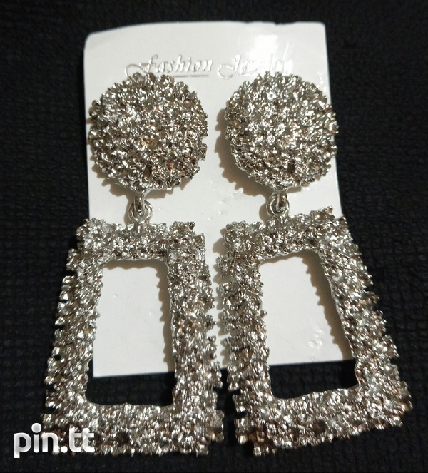 Statement earrings-1