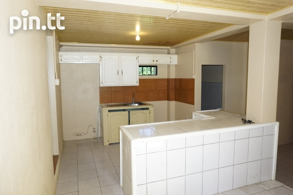 INVESTMENT PROPERTY APARTMENT BUILDING-6
