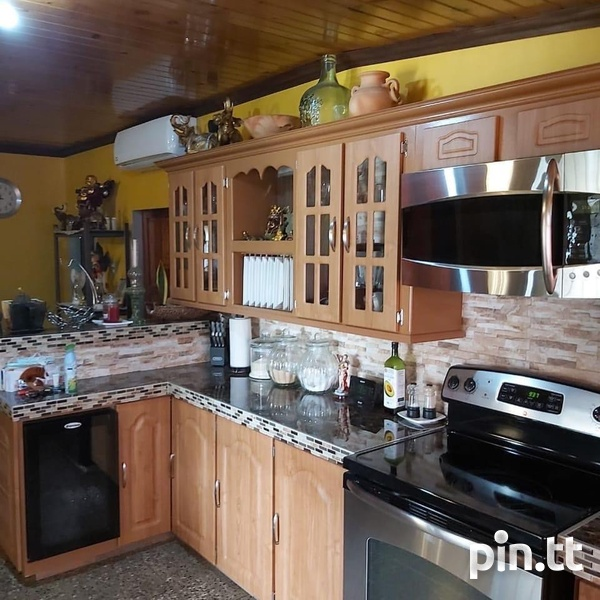 Property with 3 Bedrooms-3