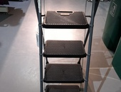 4 step ladder very strong
