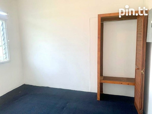 UNFURNISHED TWO BEDROOM APARTMENT BARATARIA-8