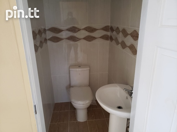 Brand New Spacious 3 Bedroom Townhouse-4
