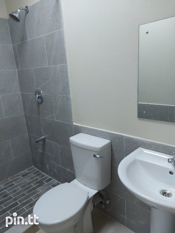 New unfurnished 2 bedroom apartment in Barataria-5